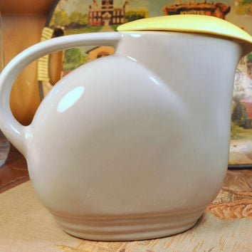 Vintage Hall China General Electric Covered Water Pitcher Grey and Yellow with Lid ~ Retro Kitchen Refrigerator Glass