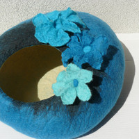 "Felted Cat Bed / Cat Cave / Cat Den / Cat House/Cocoon with flowers  ""Forget-me-not"""
