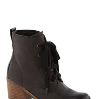 Dolce Vita Graham Cracker Crumble Boot in Black | Mod Retro Vintage Boots | ModCloth.com