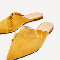 LEATHER MULES WITH FRILLDETAILS