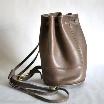 Vintage Coach Usa Taupe Small Leather Bag - Drawstring Rucksack - Convertible - Beauty Ticks