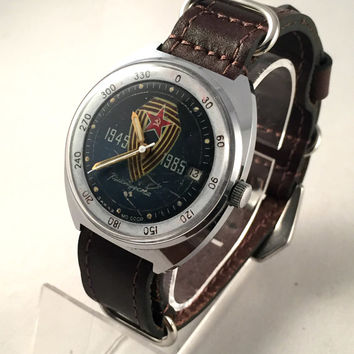 "VINTAGE USSR Military men's Vostok ""Komandirskie"" watch.This Soviet watch comes with brand new leather band. see pics!"