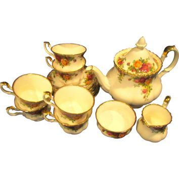 Royal Albert Old Country Roses 16 Piece Tea Set