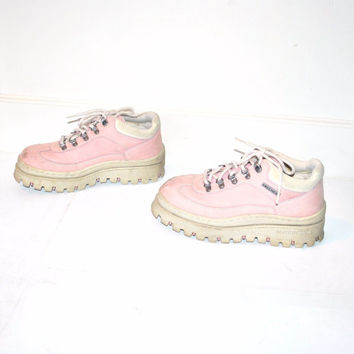 powder pink LUG sole platform SKETCHERS vintage early 90s GRUNGE clubkid hiking ankle boots platform runners