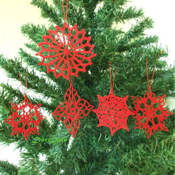 Christmas ornament, Lace crochet snowflakes, red snowflakes, christening favor, tree decoration, gift wrapping, wedding day, Set of 5 -(S25)