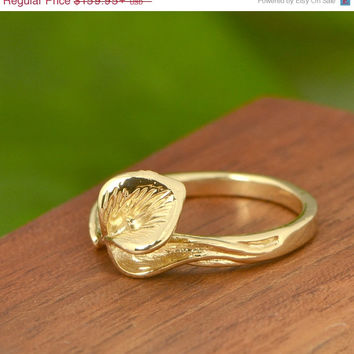SALE Calla Lilly Ring - Gold Ring - Flower Ring - Calla Lily Jewelry - 10k Yellow Gold - Flower Jewelry - Golden Ring