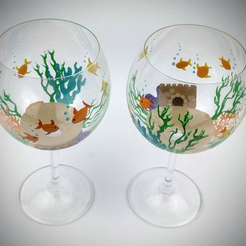 Fish bowl wine glasses, hand painted wine glasses, fish wine glasses, fish theme wine glasses, unique wine glasses, fun wine glasses