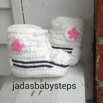 Crochet Converse Infant/Baby Booties White / Pink