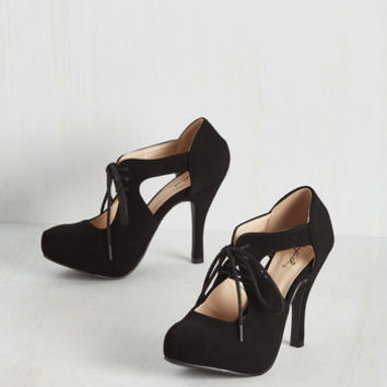 Jaunts and Needs Heel in Black