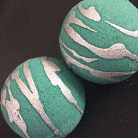 Breakfast at Tiffany's bath bomb tubby tornado