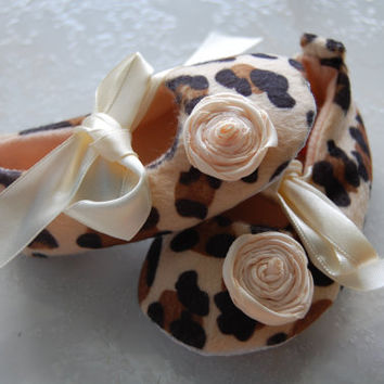 Custom Rosette Ballerina Leopard Cheetah Boutique Crib Shoes, Cream, Brown & Black Baby Shoes 0-6 months or 6-12 months READY TO SHIP