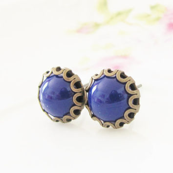 Navy Blue Scallop Earrings - Navy Blue Scallop Round Antique Brass Post Earrings - Preppy Bridesmaid, Wedding, Bridal