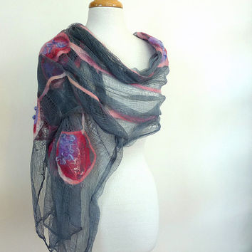 Womens Gray Cotton Stole. Large Scarves. Nuno Felted Scarf. Pink Circles