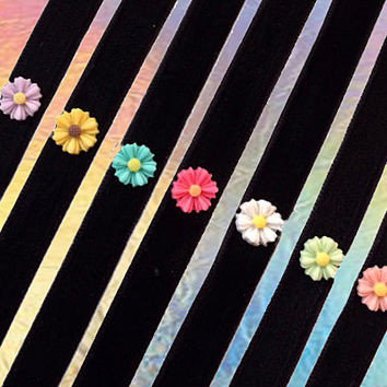 90s Soft Grunge Daisy Velvet Choker // Pastel Grunge Necklace // Pick Your Color // lilac teal pink purple green / tumblr fashion