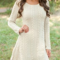 Round neck long-sleeved knit dress