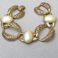 Chunky 1950's Vintage Big Faux Pearl & Open Filigree Links Gold Tone Bracelet