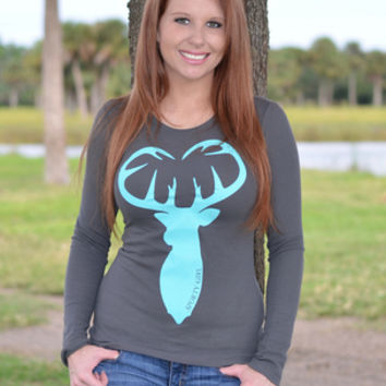 Thermal Longsleeve Gray with mint buck head heart