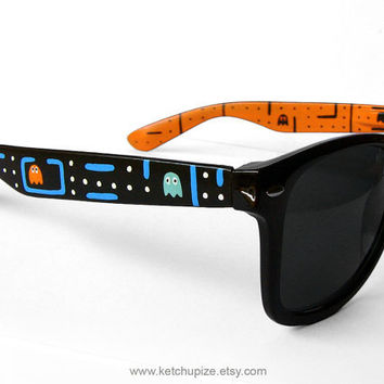 Sunglasses  Custom Wayfarer style sunglasses Pacman by ketchupize