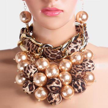 Dramatic Pearl Ball Clustered Chain Linked Choker Collar Necklace