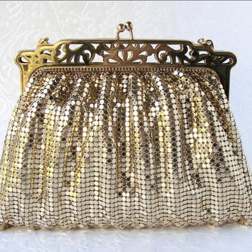 1950s Vintage Whiting and Davis Bright Gold Metallic Mesh Purse 2898 Excellent Condition Formal Handbag Golden Wedding Bridal Clutch