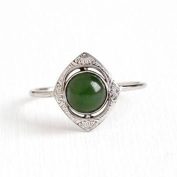 Vintage 14k White Gold Nephrite Jade Cabochon Ring - Size 8 1/2 Art Deco 1920s Green G