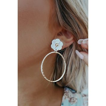 A Touch Of Floral Earrings: Gold/White