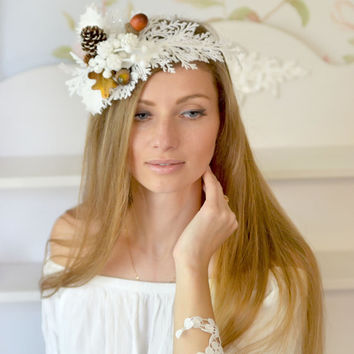 Winter wedding White bridal head piece winter crown Pine cone hair accessory Christmas crown Snow Queen headband winter bride Christmas