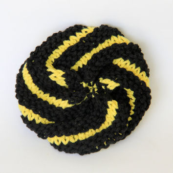 Large black and gold Pittsburgh scrubbie / tawashi
