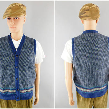 Vintage Pendleton Wool Sweater Vest / Country Traditions / Blue Zig Zag Pattern / Size Large 40-42 / Made in USA / Preppy Look / Button Up
