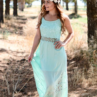 LILIES AND LACE MAXI DRESS IN MINT