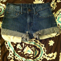 Vintage levi denim shorts.