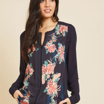 Podcast Co-Host Top in Navy Floral | Mod Retro Vintage Short Sleeve Shirts | ModCloth.com