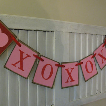 Valentine Banner XOXOX Hugs and Kisses Primitive Folk Art Garland Cottage Shic Shabby Chic
