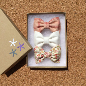 Winter white, pink fall floral and pink plaid flannel bow lot for fall.  Seaside Sparrow hair bows make the perfect gift.