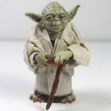 Star Wars: Master Yoda Action Figure Collection