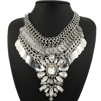 Fashion crystal necklace cluster flower necklace spike bib chunky necklace