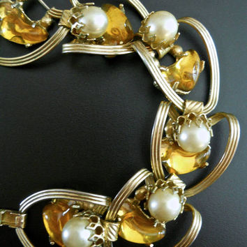 Poured Yellow Glass Gripoix Bracelet, Faux Pearl, Gold Tone Link, Vintage