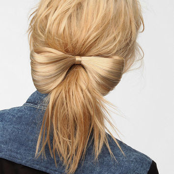 Urban Outfitters - Eva NYC Mega Bow Hair Extension