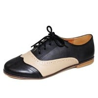 Qupid Women's Strip-88X Two-Toned Oxfords