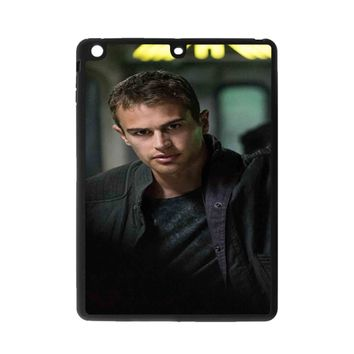 Theo James-Divergent  iPad Air Case