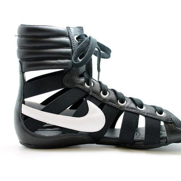NEW NIKE Gladiateur II Womens Walking Sandal Shoe Gladiator Style Black & White
