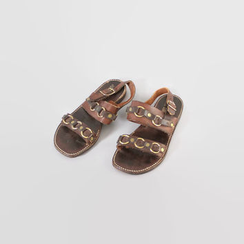 Vintage 60s SANDALS / 1960s Brown Leather Brass Ring Jesus Boho Flat Sandals 10 1/2