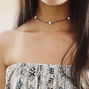 multi three pearl choker - three pearls, black cord, minimal, delicate, dainty