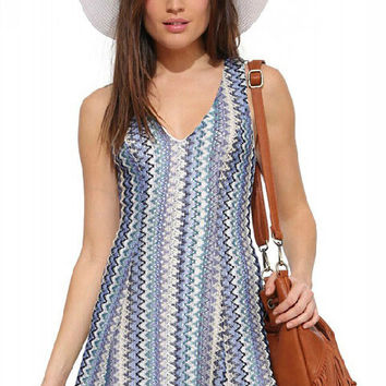 Wave Printed V-Neck Sleeveless Dress