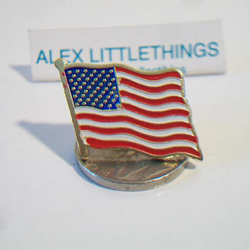 Small American Flag Lapel Pin Enamel Metal Triditional Patriotic Unisex Jewelry