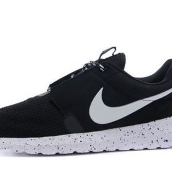 n056 - Nike Roshe Run Hyperfuse 3M Reflective (Black/White)