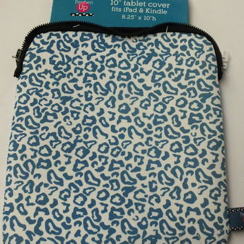"10"" Stylish Blue Leopard Neoprene Tablet/iPad Cover"