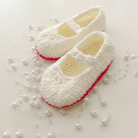 baby booties, baby slippers, baby shoes, baby accessories, baby boy, flats, baby, ivory and pink  botties