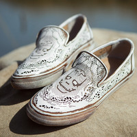Handmade skull Leather Shoes for Women Hollow Retro Flats,soft leather Casual Shoes, womens Sandals, Retro Oxford Shoes,White shoes