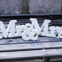 "1set ""Mr&Mrs"" 8cm English wedding wood crafts wooden letters marking photo frame (Color: White)"